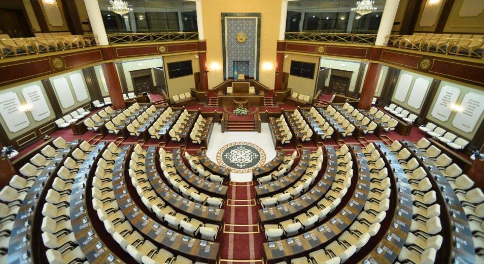 Выборы в парламент: маслихаты голосуют за сенаторов