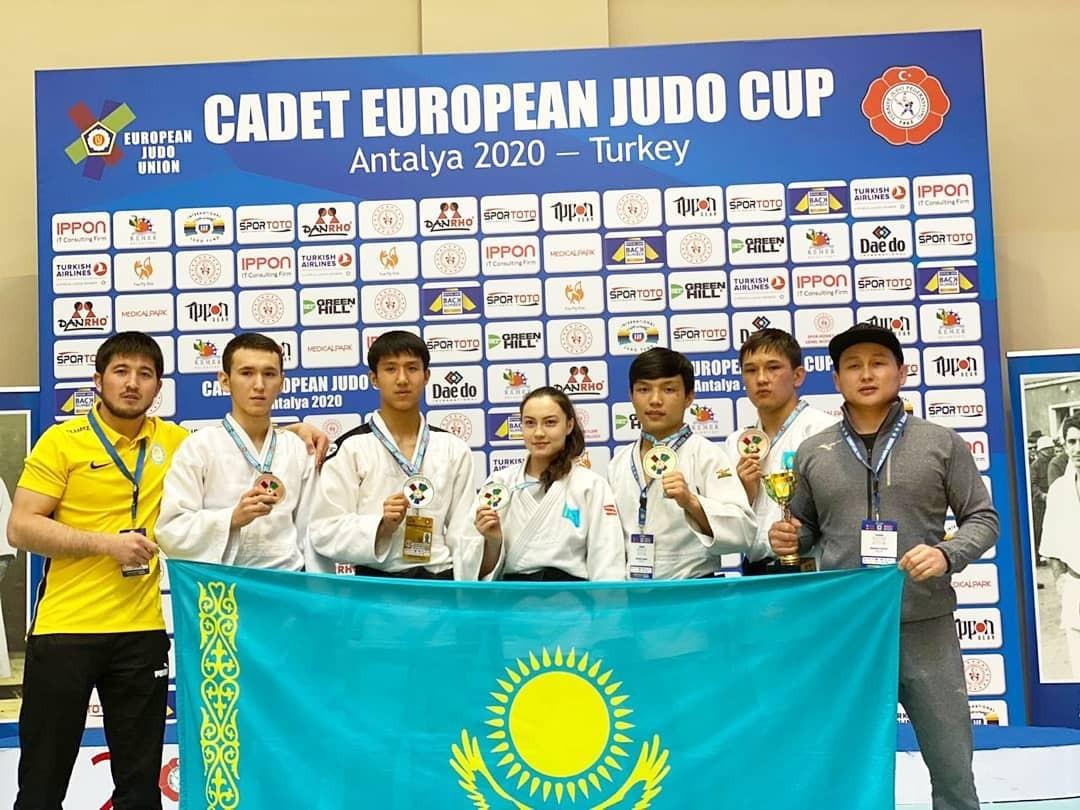 Казахстан успешно стартовал на молодежном Кубке Европы по дзюдо