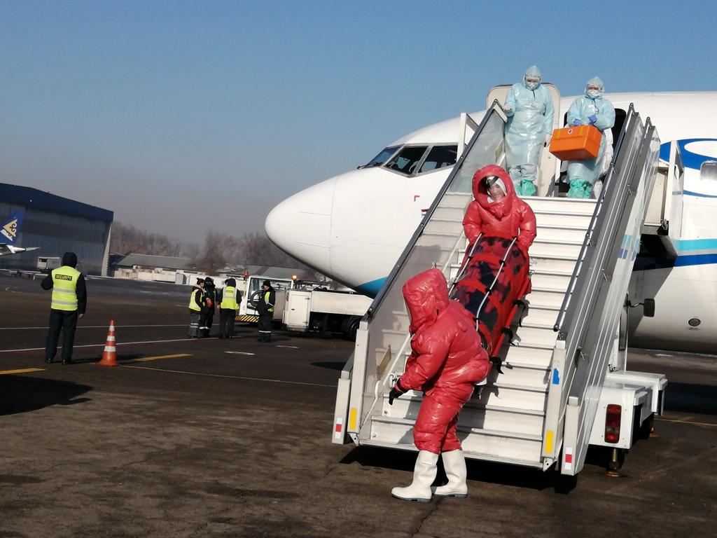 Аэропорт Алматы усилил санитарно-карантинный контроль на международных рейсах