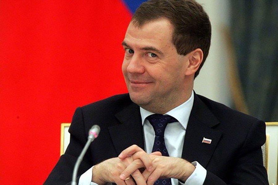 Назарбаев и Токаев поздравили премьера РФ Медведева с днем рождения