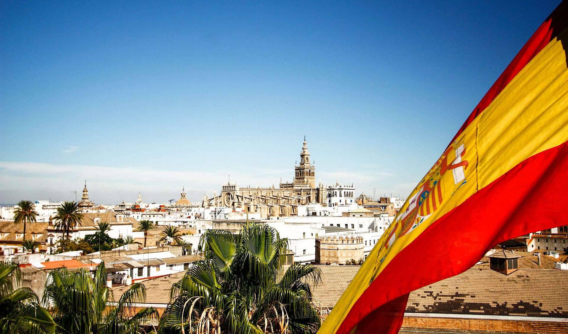Испания открыла границы для жителей ЕС