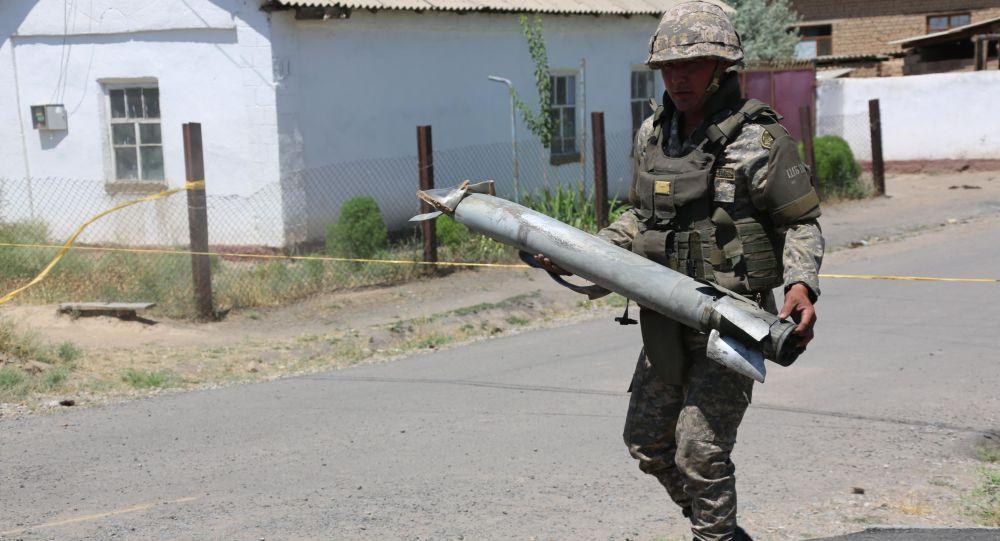 Глава Минобороны РК проинструктировал саперов перед очередным уничтожением боеприпасов из Арыси