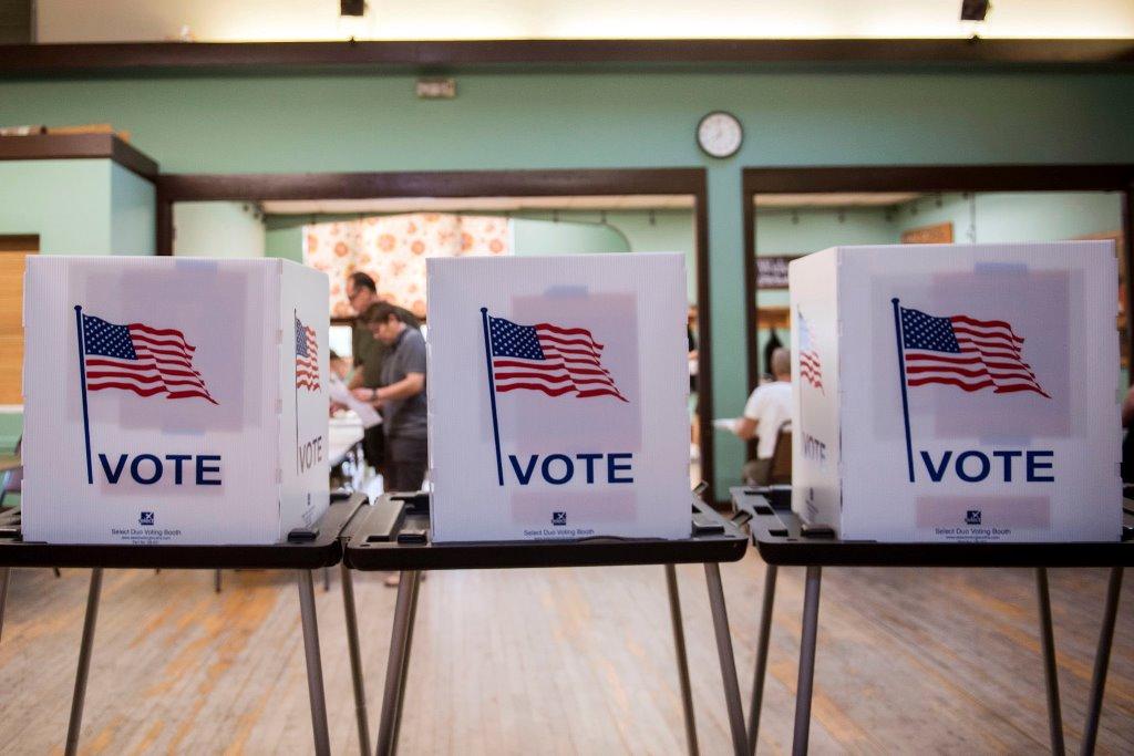 В конгрессе США не намерены менять дату президентских выборов