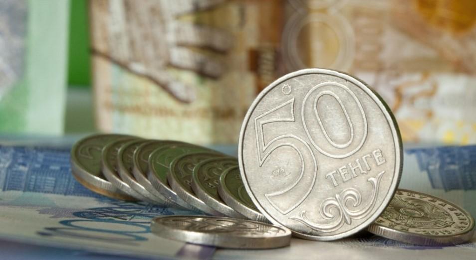 На тенге вновь давят девальвационные ожидания