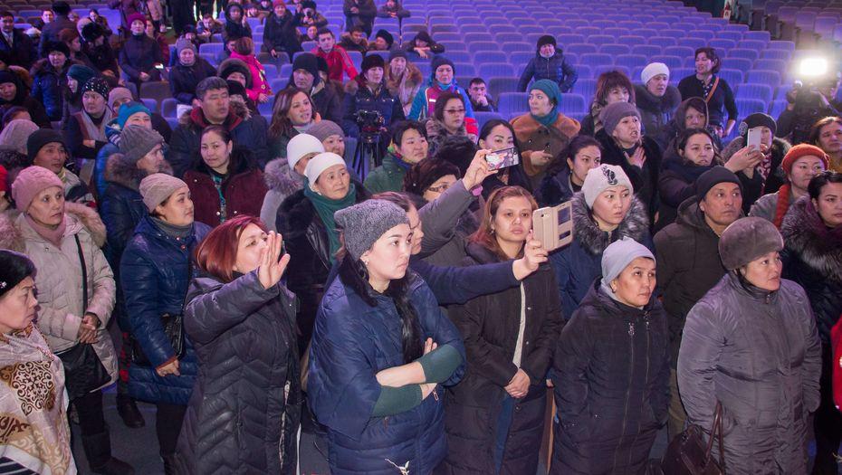 Многодетные матери Казахстана продолжают требовать от властей повышения социальных выплат и решения жилищного вопроса