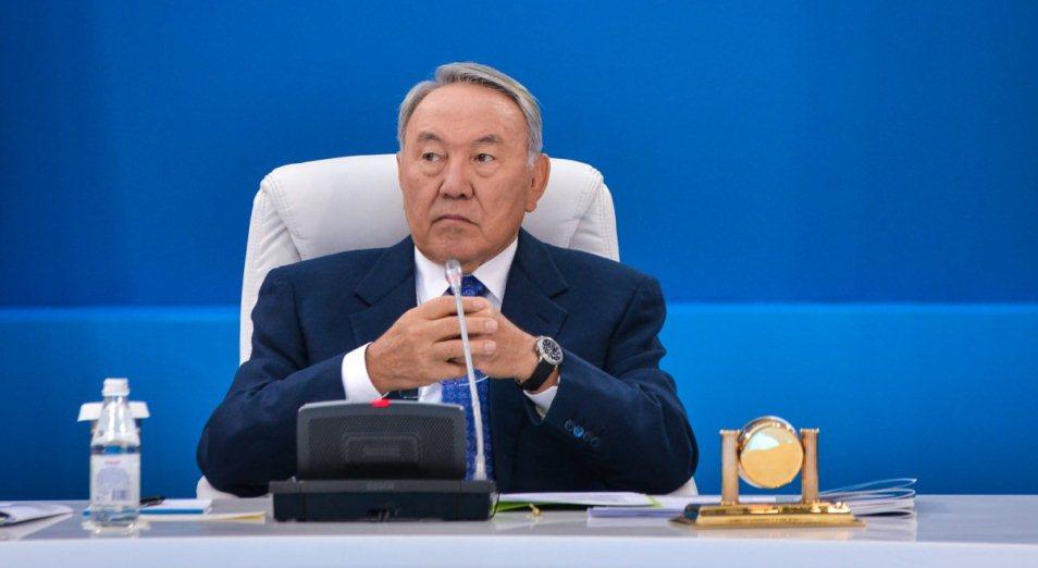 Эксперты выразили свое мнение о сложении полномочий Назарбаевым
