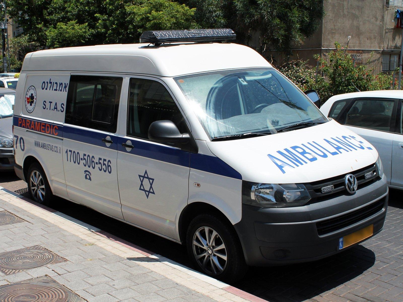 В пригороде Тель-Авива перевернулся автобус, следовавший в Иерусалим