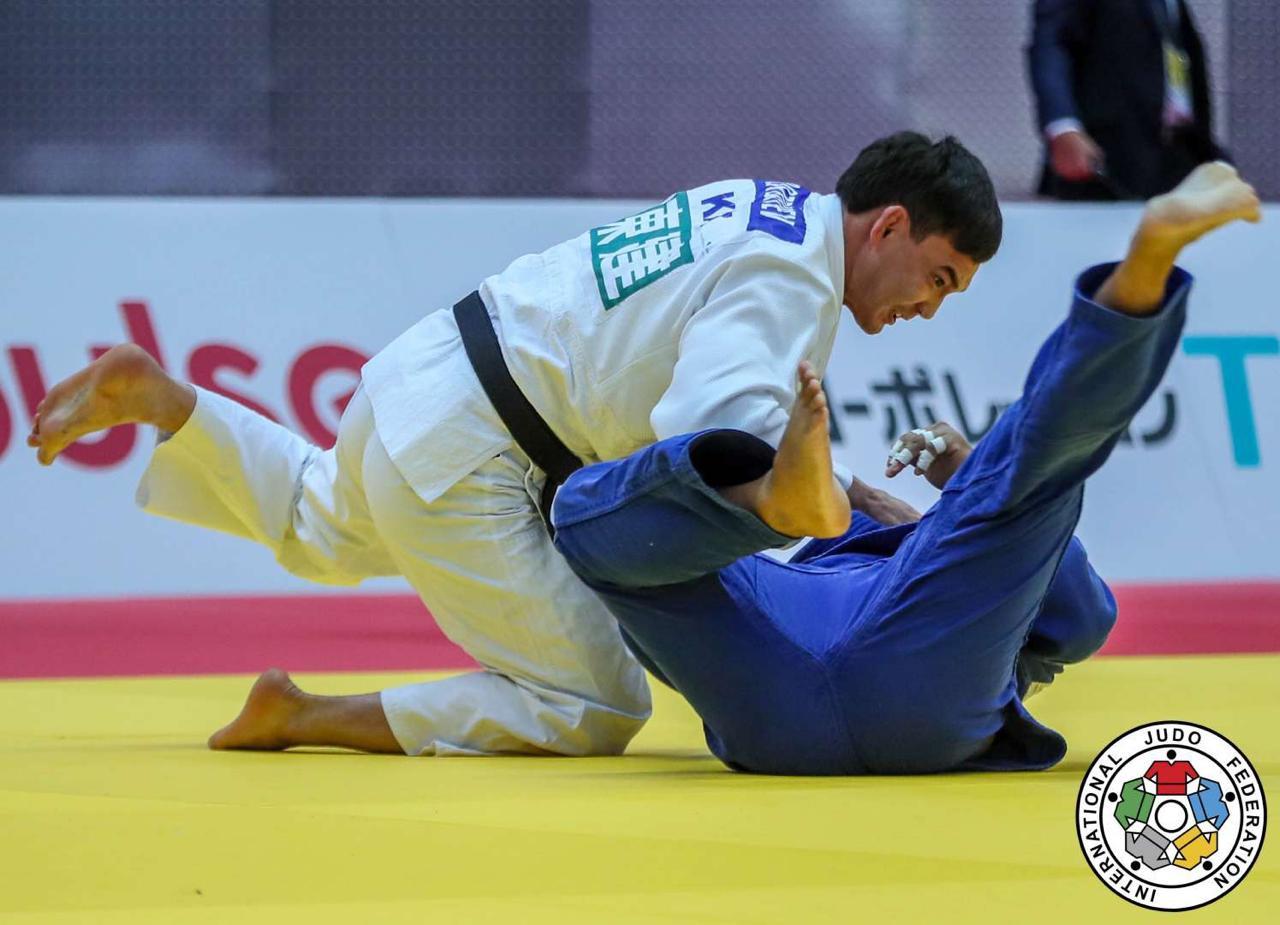 Ислам Бозбаев стал серебряным призером Grand Slam в Париже