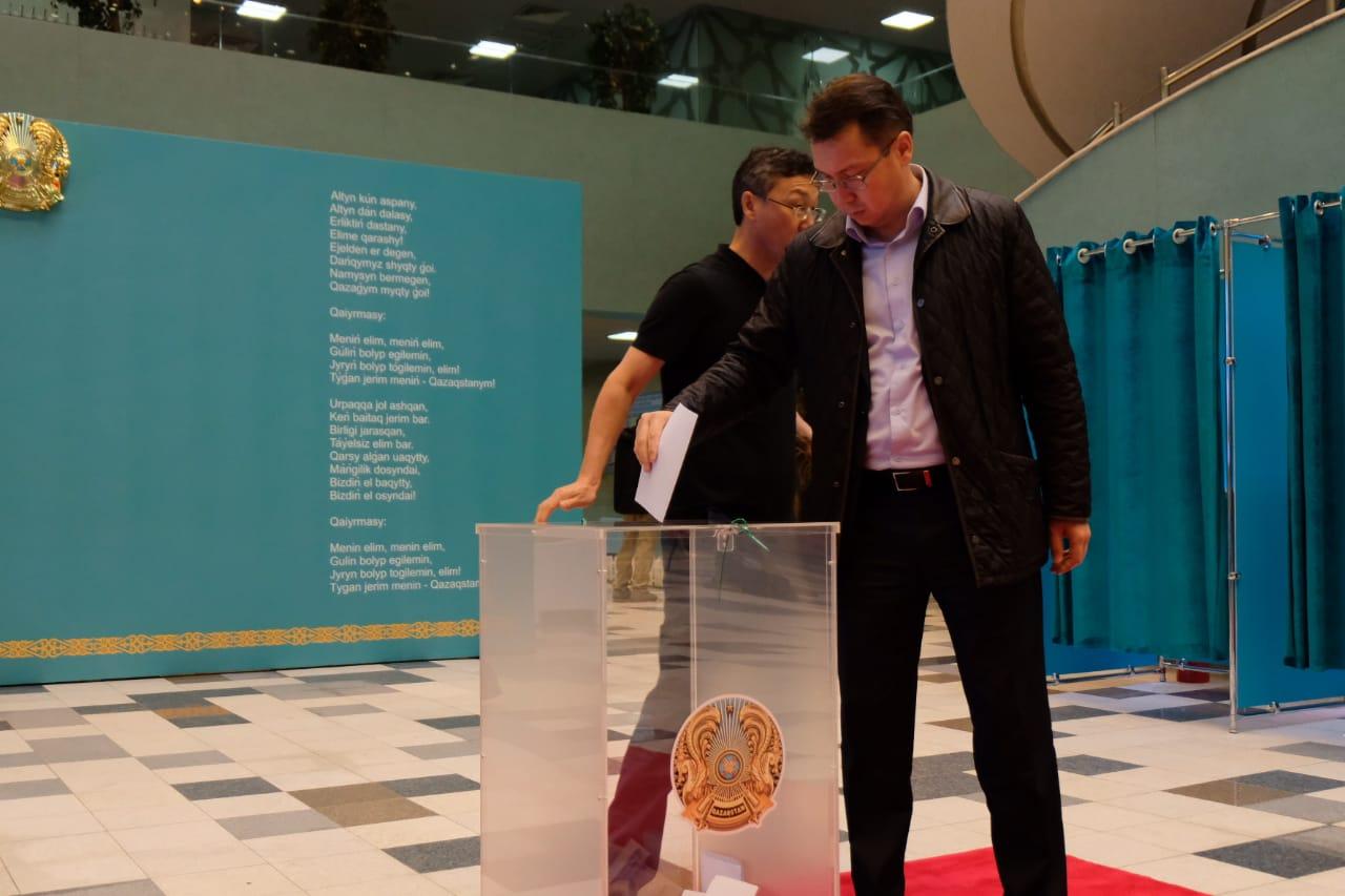 Наблюдатели из России и Белоруссии отмечают доброжелательную и спокойную обстановку на выборах в Казахстане