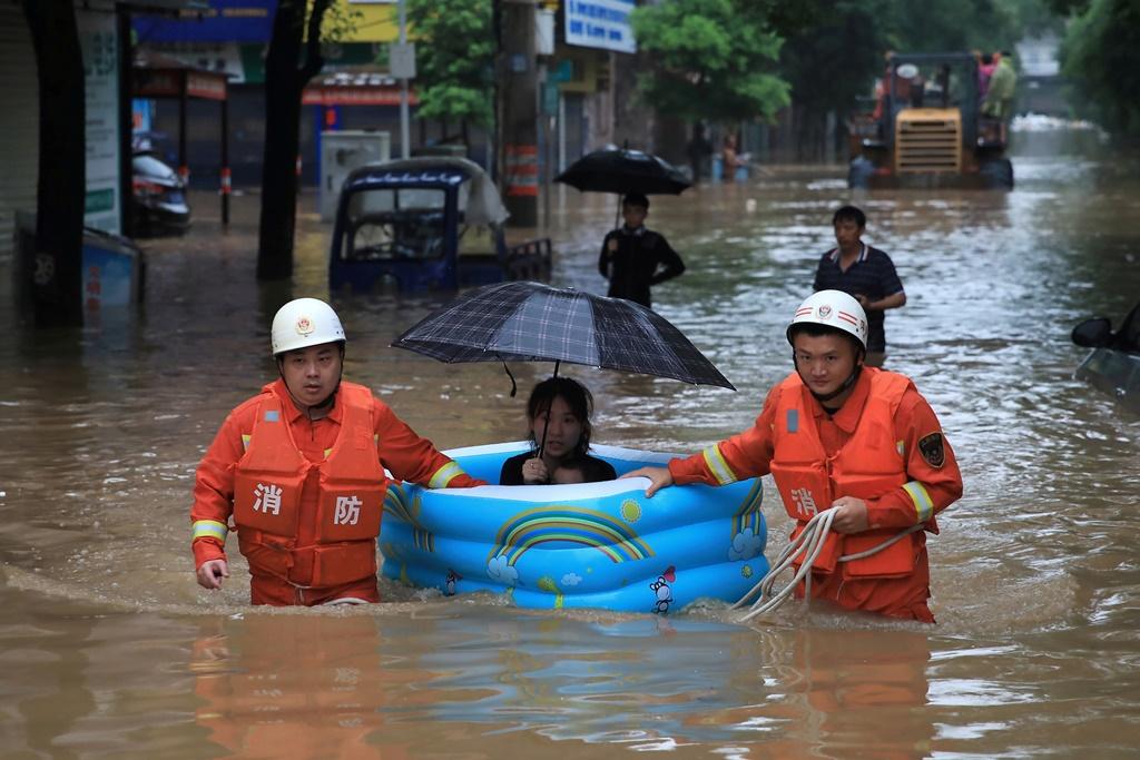 Китай повысил уровень реагирования на наводнения до второго