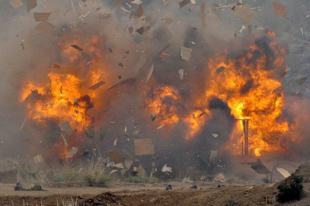 Повстанцы обстреляли военный парад на юго-западе Йемена