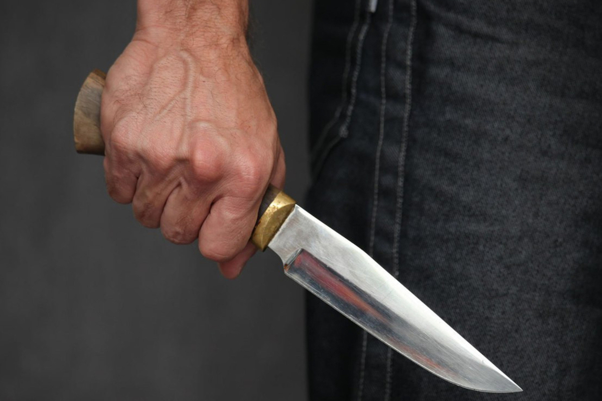 Двое убиты и шестеро ранены в результате нападения человека с ножом на прохожих во Франции