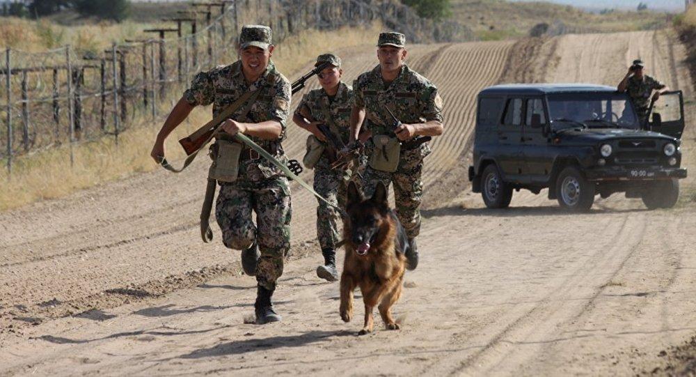 На юге Казахстана задержаны трое контрабандистов.