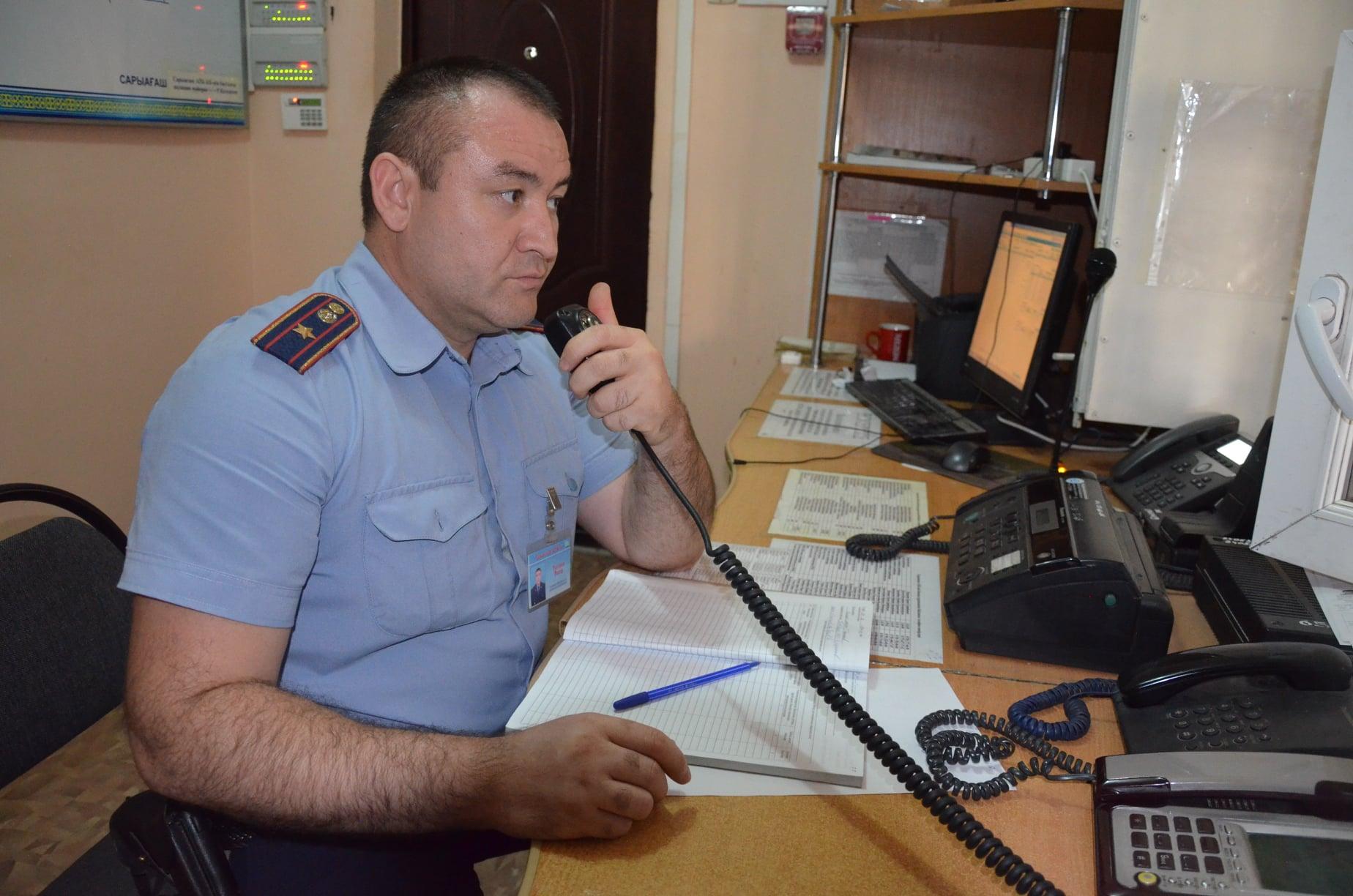Полицейские Туркестанской области задержали мошенника, обманувшего сельчан с трудоустройством