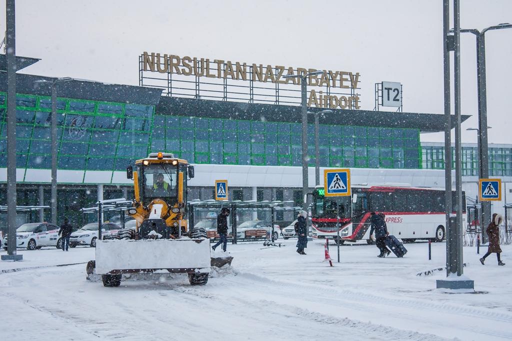 В аэропорту Нур-Султана задержаны все рейсы