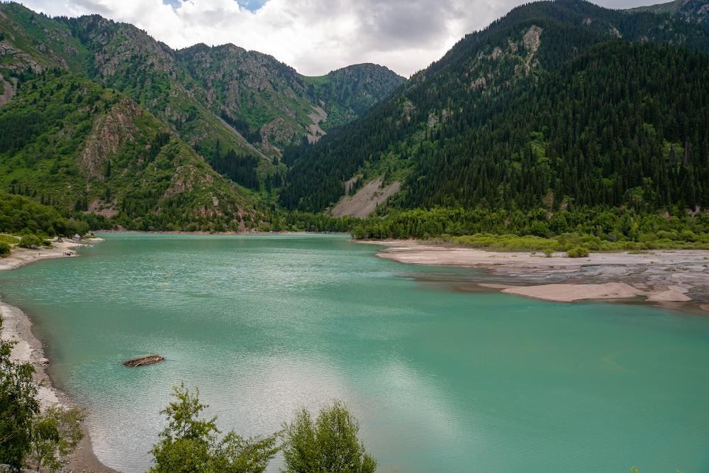 Внутренний туризм: куда хотят поехать казахстанцы?