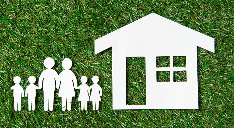 Аренду с выкупом и льготную ипотеку обещают многодетным семьям в Астане и Алматы
