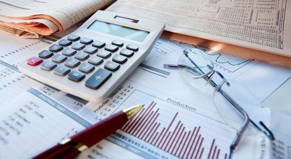 О курсе тенге, ВВП и инвестициях