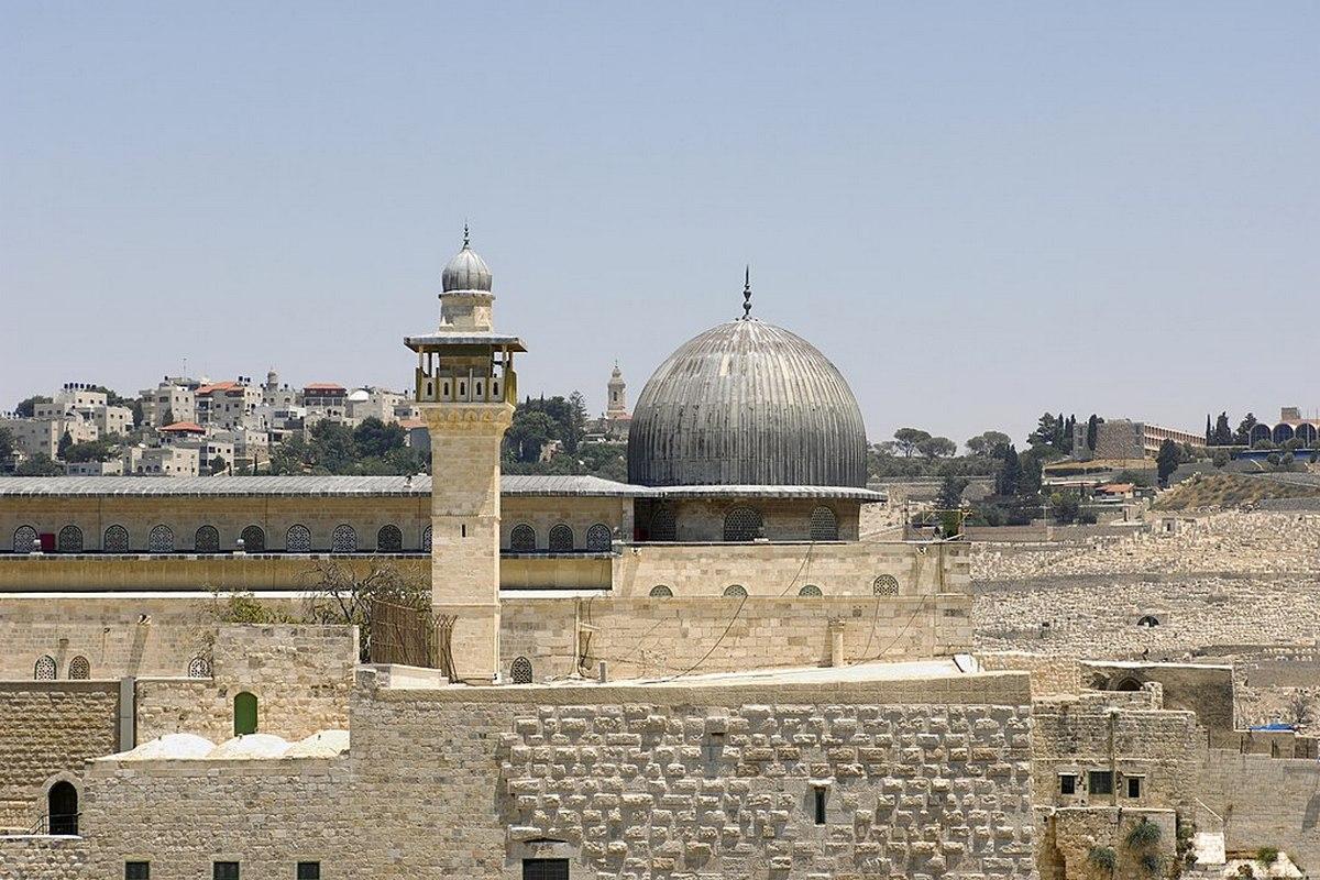 Иерусалимская мечеть аль-Акса вновь открыта для верующих