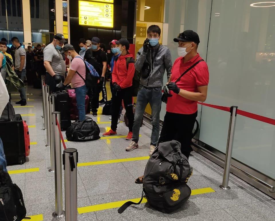 Более 150 казахстанцев вылетели в Амурскую область на заработки