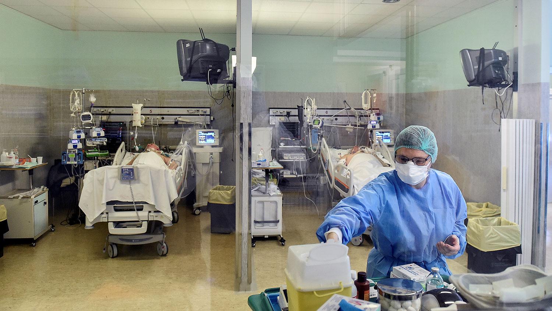 Число инфицированных COVID-19 с начала пандемии превысило 21 млн