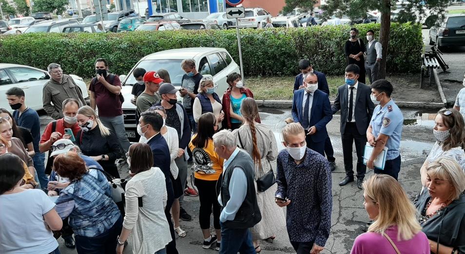 Жители Усть-Каменогорска хотят, чтобы их слышали власти
