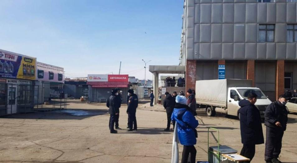 В Павлодаре арендаторы бутиков организовали акцию протеста