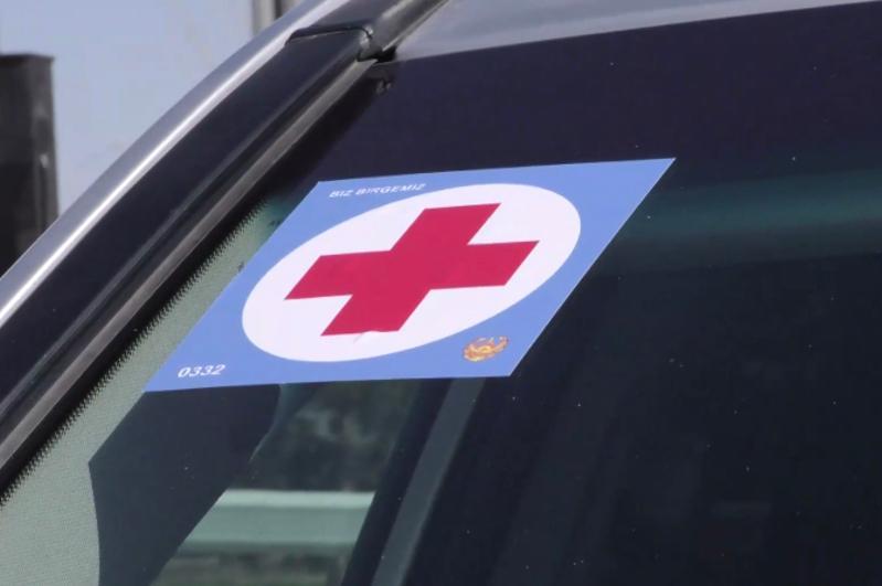 На машинах врачей в Нур-Султане появились спецзнаки