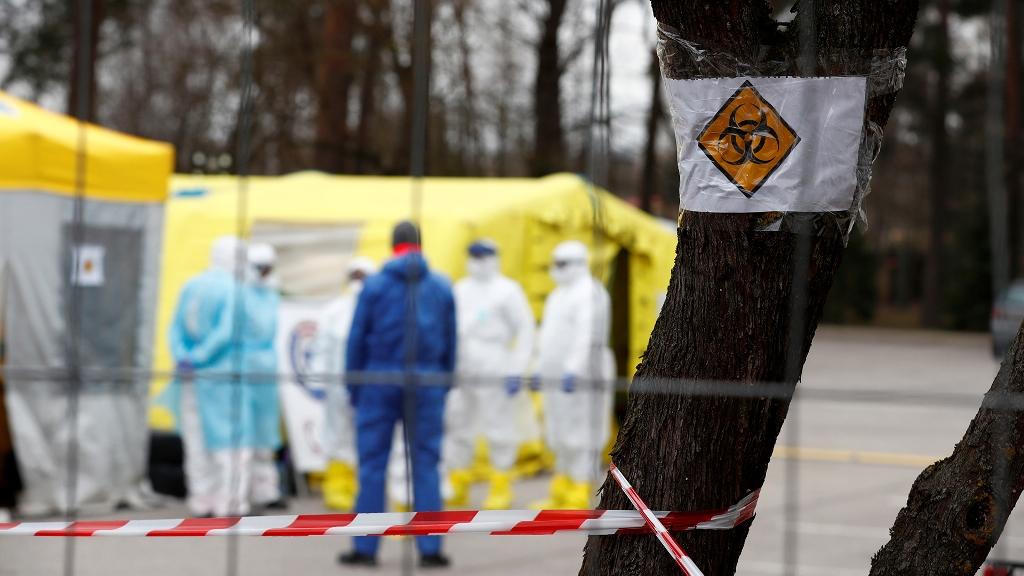 В Латвии вступает в силу режим чрезвычайного положения из-за коронавируса