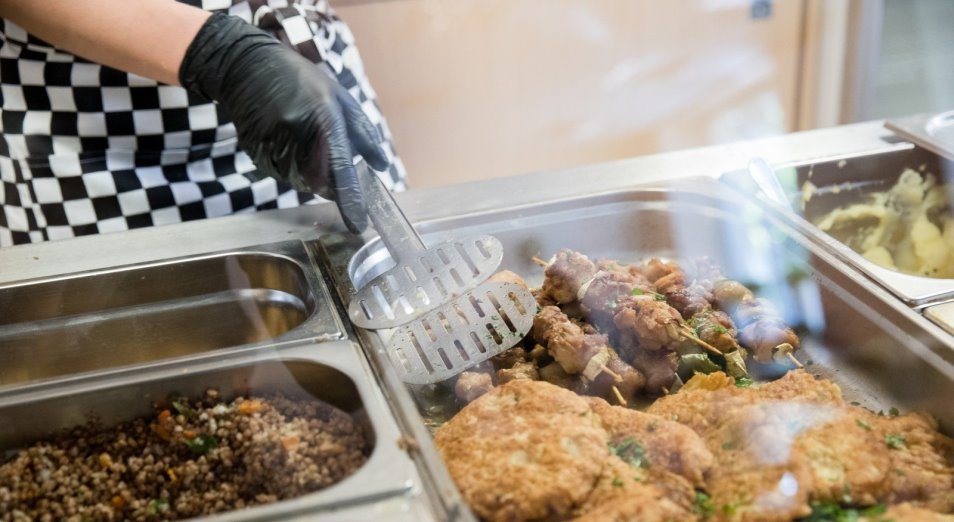 Что не так с питанием в школьных столовых?