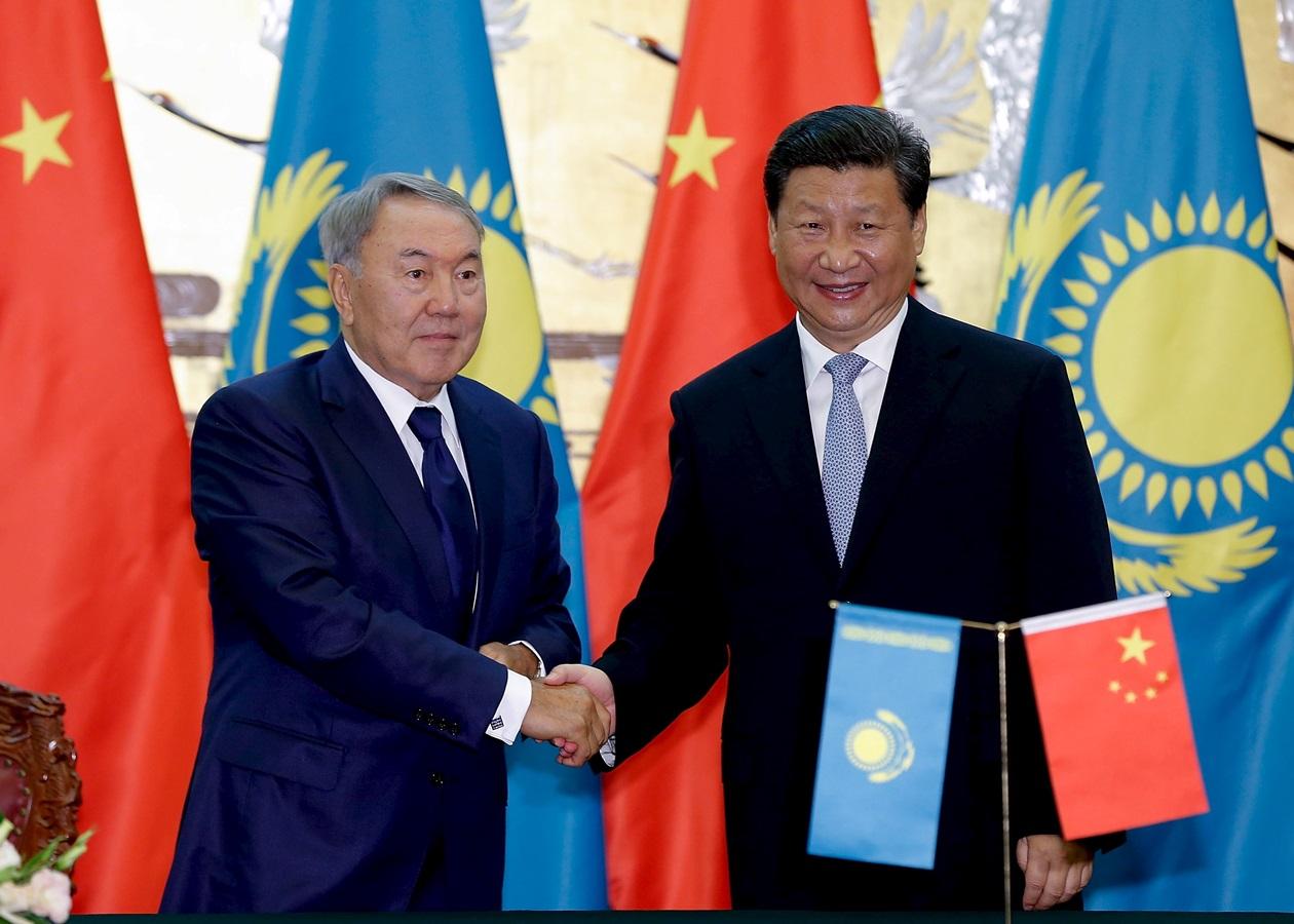 Си Цзиньпин пожелал выздоровления заболевшему коронавирусом Назарбаеву