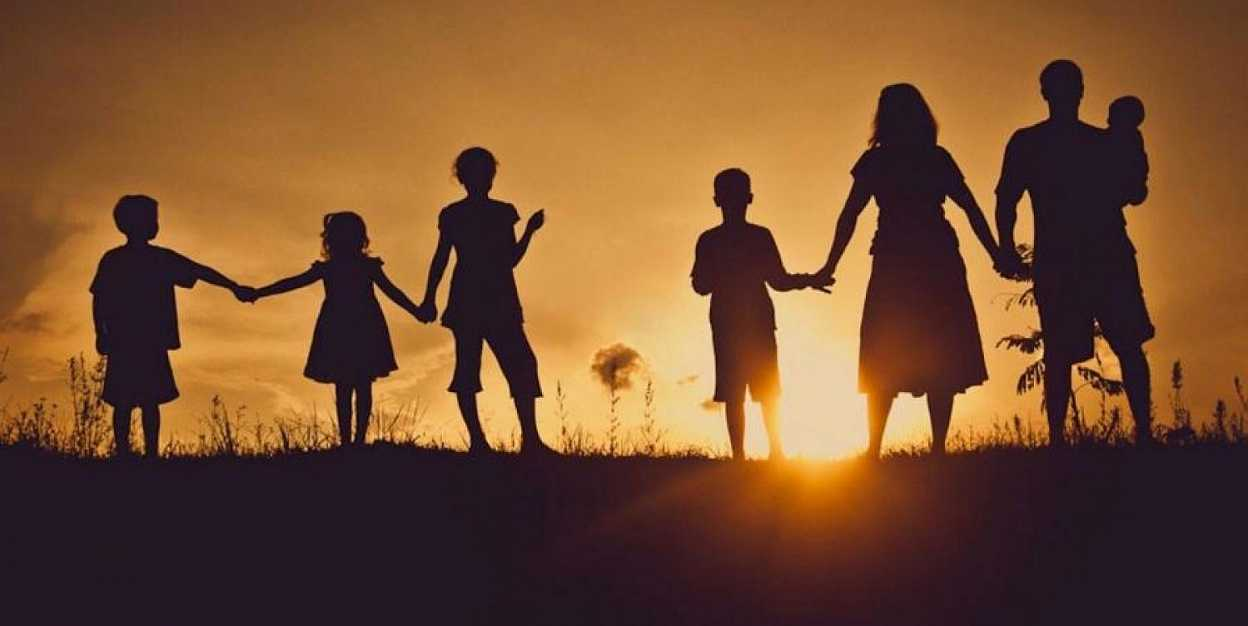 При акимате Астаны создана мобильная группа для работы с многодетными семьями