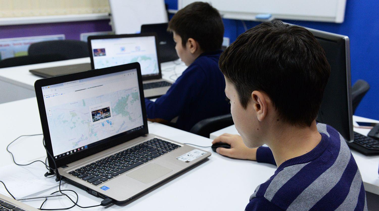Для школьников Нур-Султана закупят почти 34,5 тысячи компьютеров