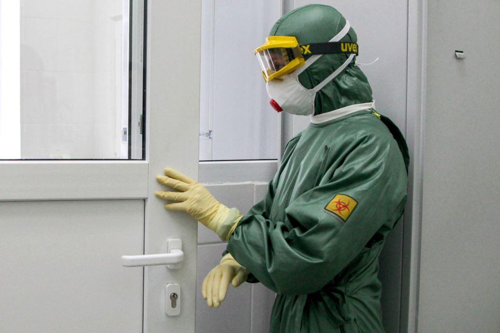 ЕС отправил первую партию медицинской помощи Китаю