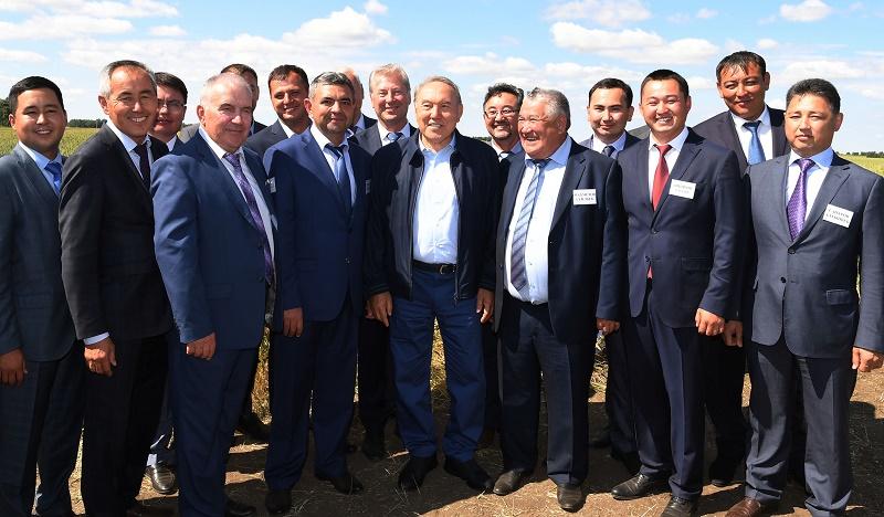 Нурсултан Назарбаев уверен в высоком урожае в СКО
