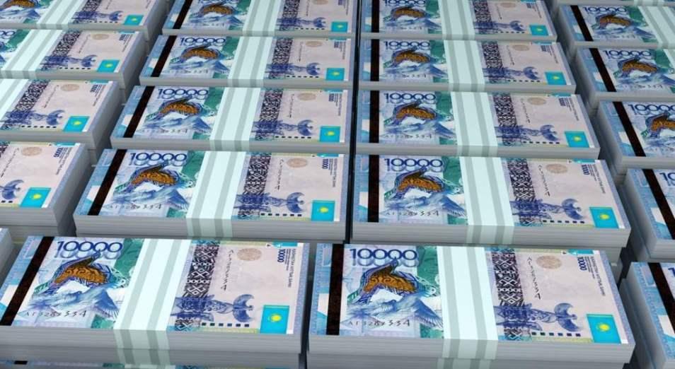 Валютные резервы Нацбанка тают