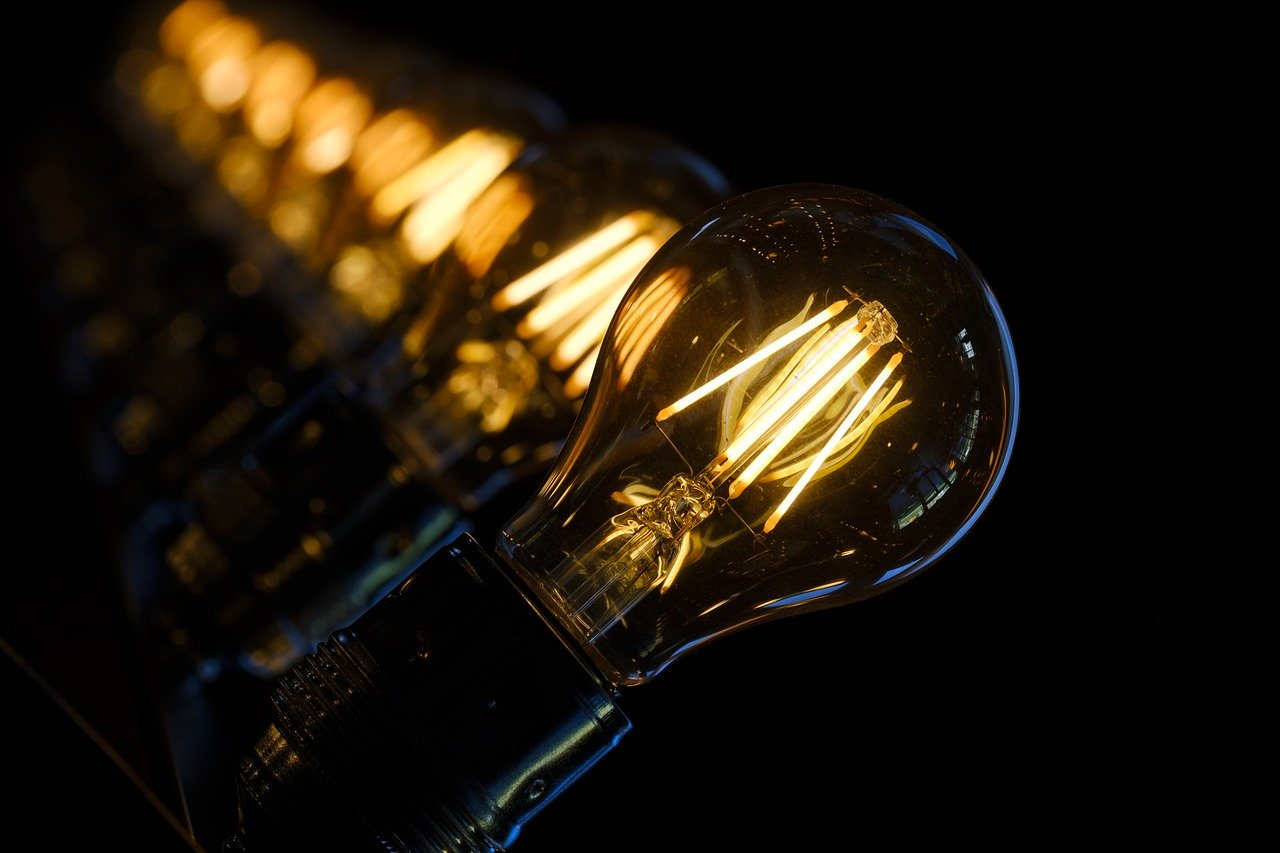 Подача электроэнергии была ограничена в четырех областях Казахстана из-за аварии – минэнерго