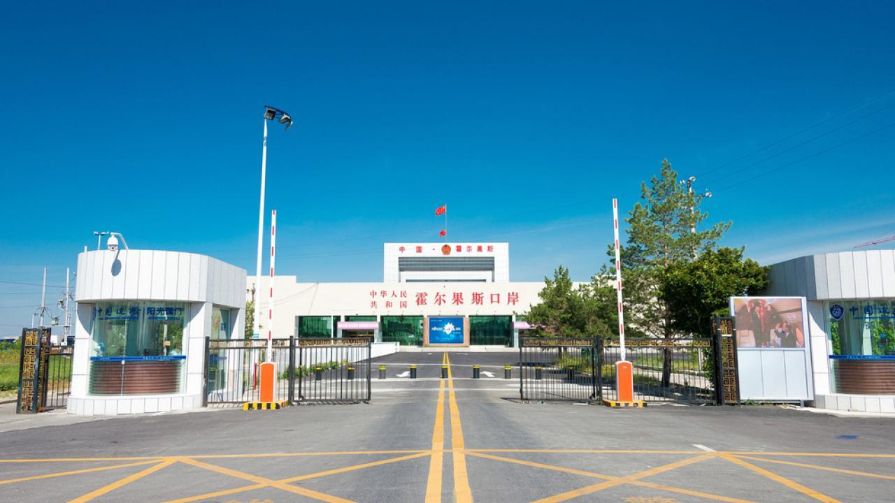 Китай открыл границу с Казахстаном