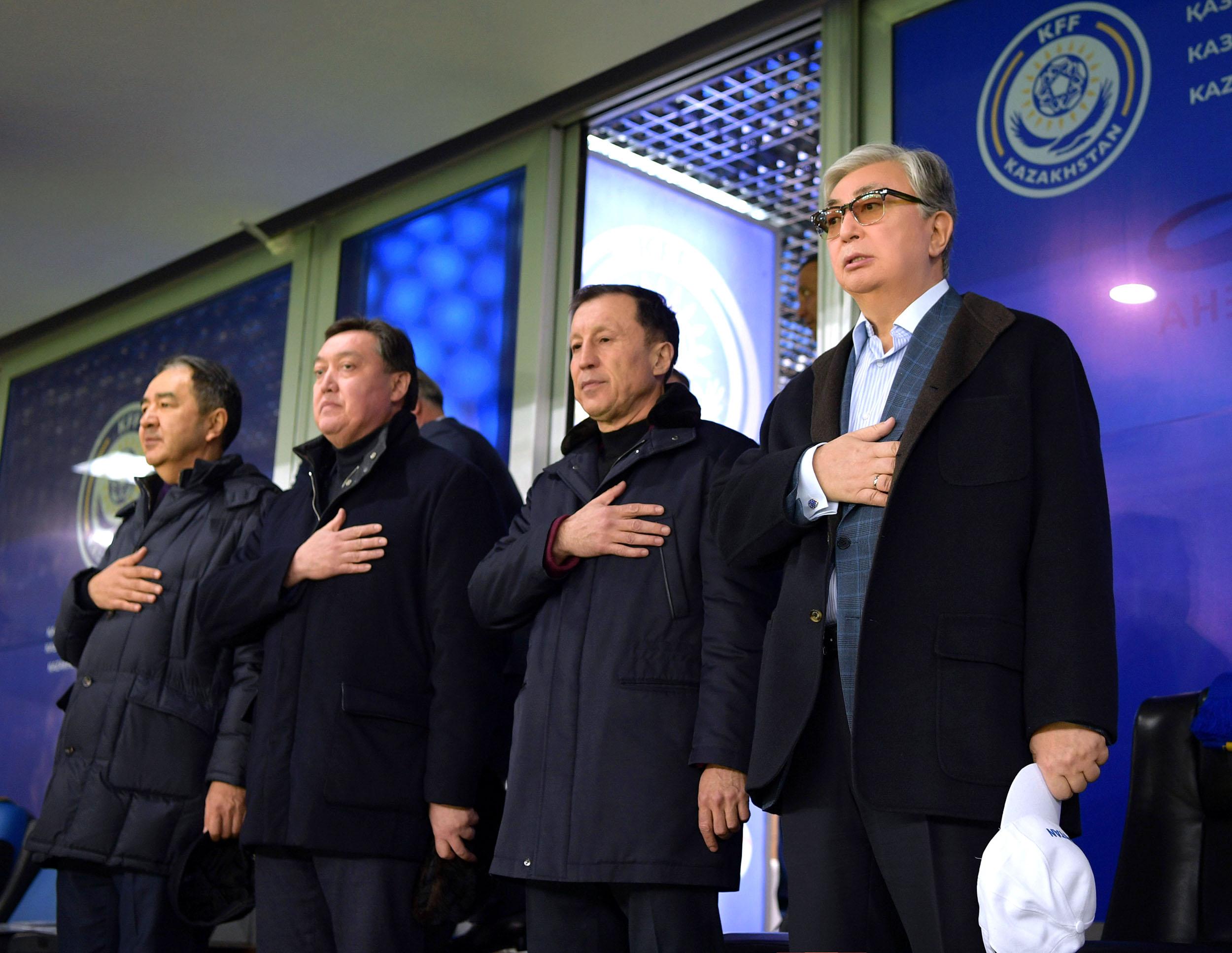 Президент Казахстана посетил футбольный матч между сборными Казахстана и России