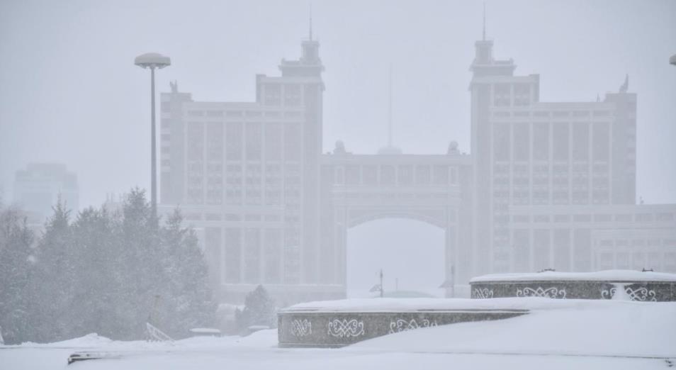 Снегопады на севере, востоке и в центре Казахстана сменятся морозами