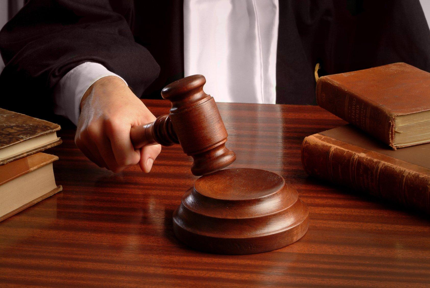 Два года ждали зарплату рабочие, строившие коттедж судье в Актау
