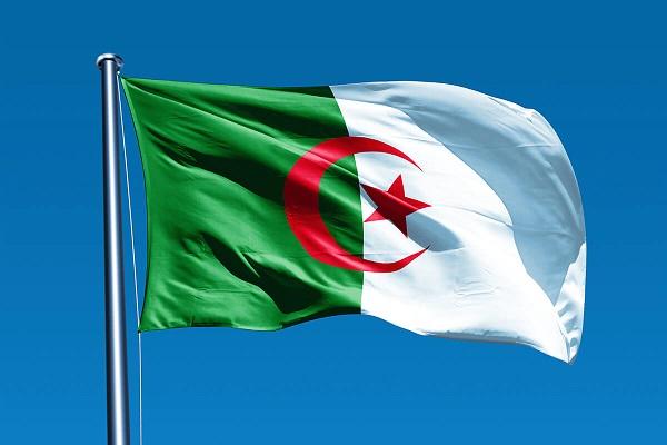 Президент Алжира назначил Абдельазиза Джарада премьером страны