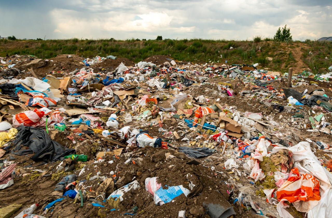 В Нур-Султане собрали 36 млн тенге штрафов за несанкционированный вывоз мусора