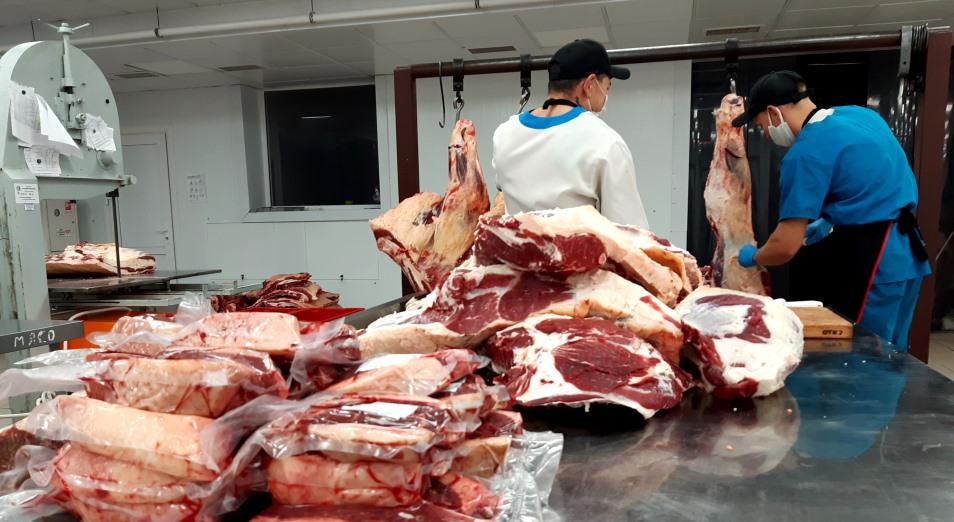 Мясо нарастает в розницу