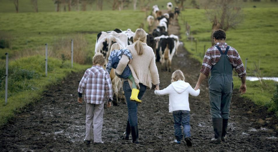 Как удерживать молодежь на селе?