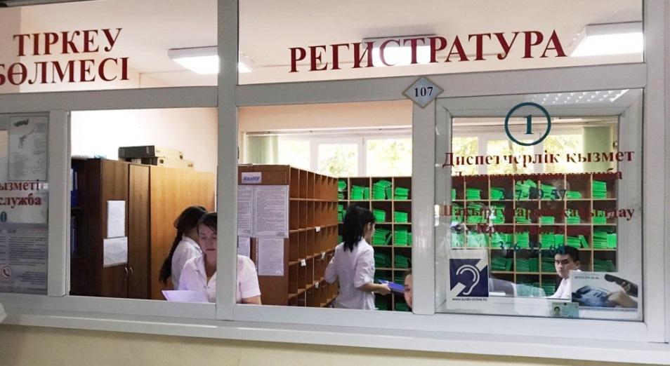 В прикреплении к поликлиникам могут отказать