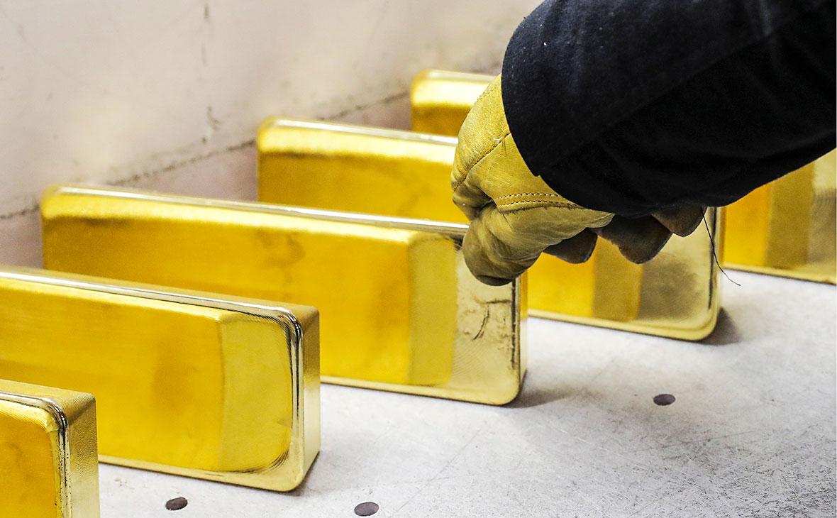 Рекорд по падению золота пробит