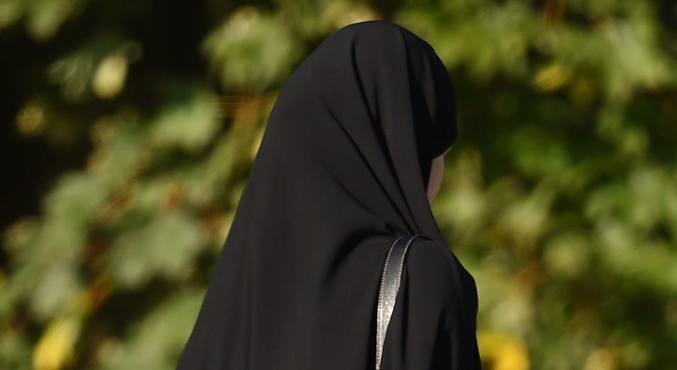 Как защитить права девушки в хиджабе и почему нельзя списать кредиты?