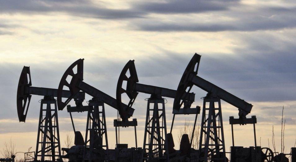 Курс тенге: аналитики надеются на восстановление цен на нефть