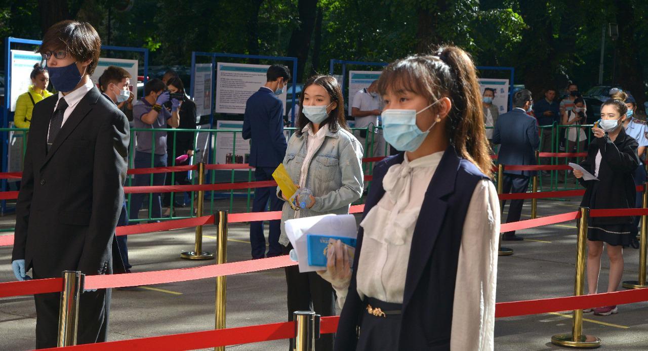 ЕНТ в Казахстане: тестирование началось
